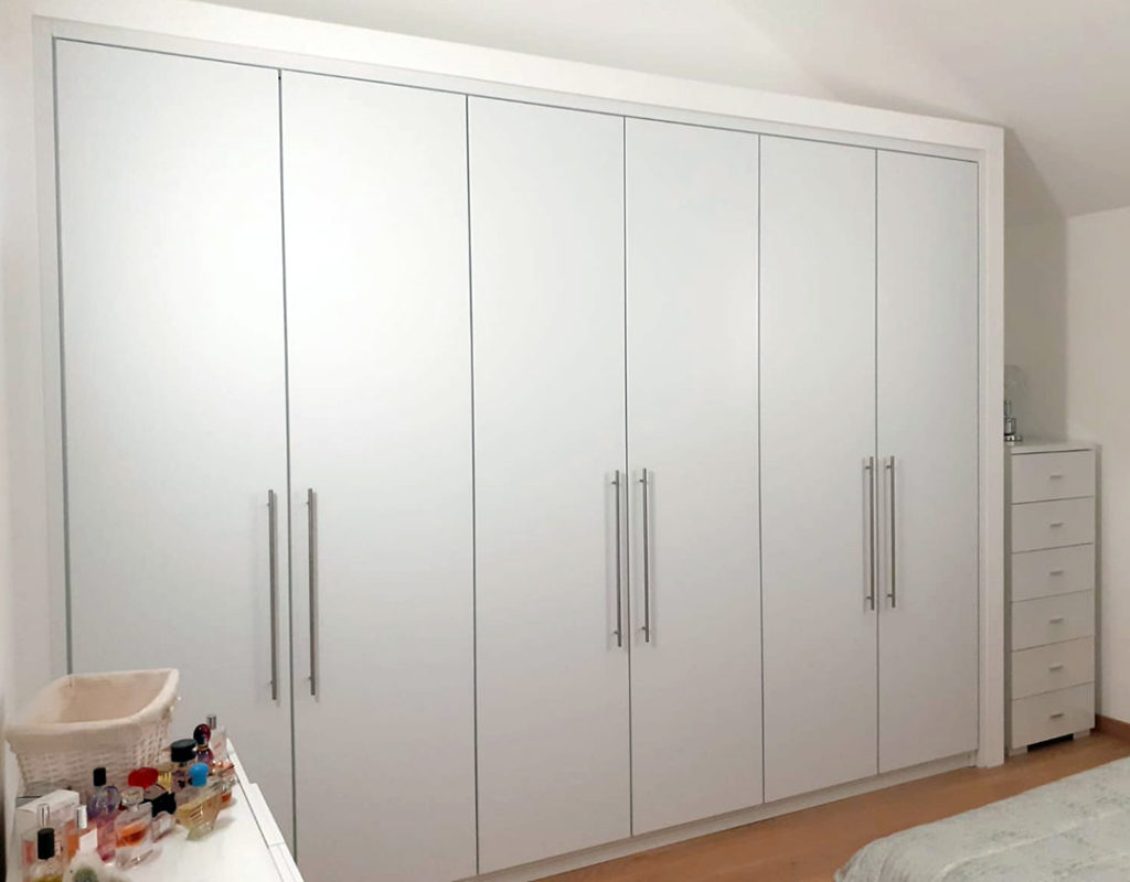 armadio a incasso in legno 6 ante su misura